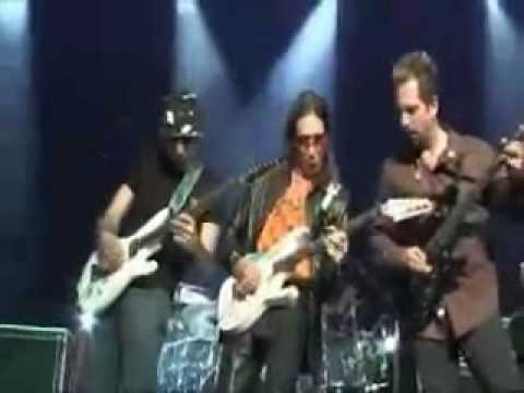 Steve Vai, John Petrucci and Joe Satriani Duel Guitars (live).