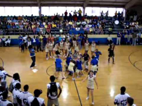 Bruce High School Pep Rally.......Can you teach me how to dougie????