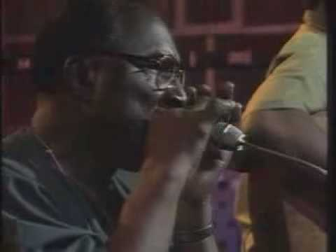 Sonny Terry & Brownie McGhee - Walk On
