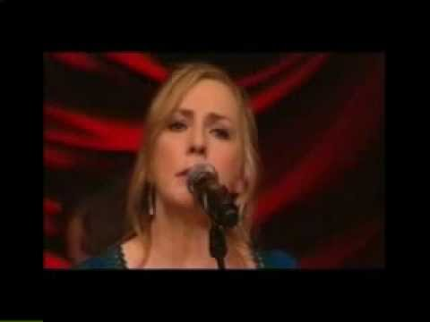 Moya Brennan - 'Harry's Game' & 'I Will Find You'