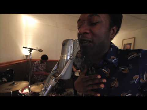 Aloe Blacc - I Need a Dollar (Live in Studio)