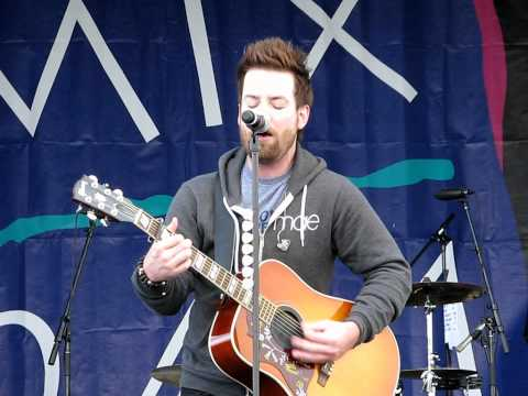 "David Cook ""Rolling In The Deep"" Acoustic (Adele/Cover) @Pet-a-Palooza, Las Vegas 4.9.2011"